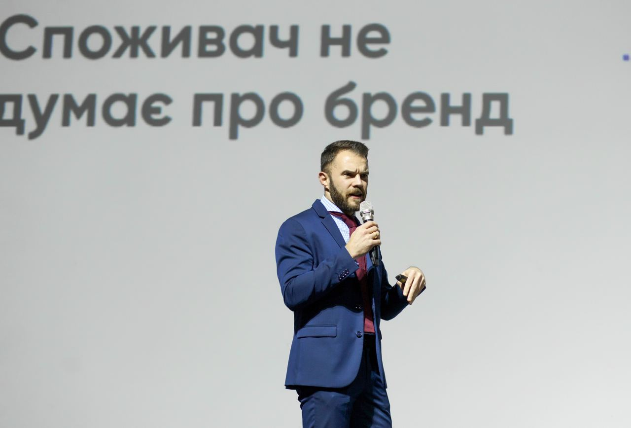 Виктор Дубровин - сооснователь агентства Aimbulance